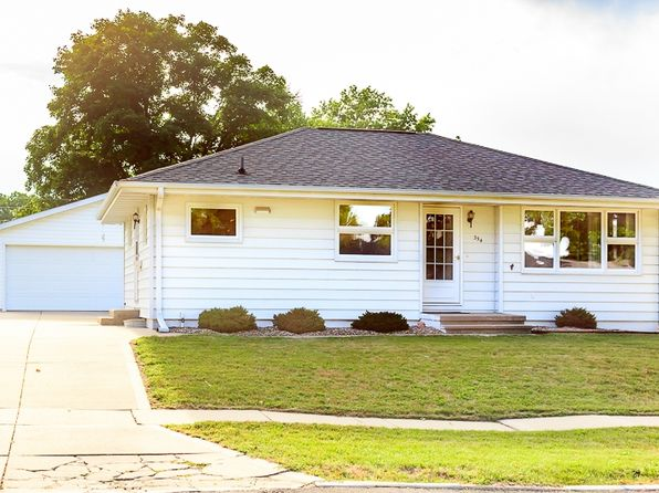 2 bed 2 bath Single Family at 354 29th St NW Cedar Rapids, IA, 52405 is for sale at 130k - 1 of 26