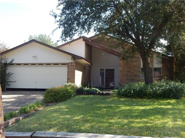 3 bed 2 bath Single Family at 1005 Willow Way Benbrook, TX, 76126 is for sale at 149k - 1 of 28
