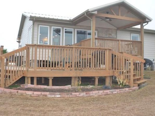 2 bed 2 bath Single Family at 40 Sailfish Lndg Port Lavaca, TX, 77979 is for sale at 215k - 1 of 32