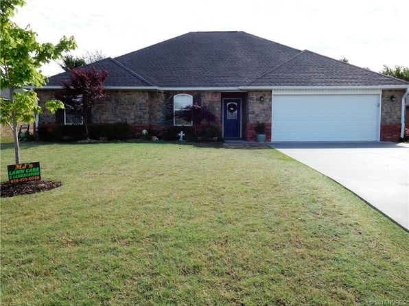 3 bed 2 bath Single Family at 1417 Monarch Dr McAlester, OK, 74501 is for sale at 220k - 1 of 24