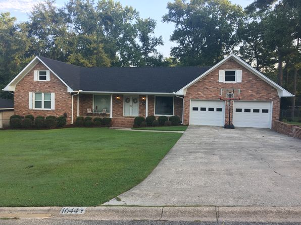 4 bed 3 bath Single Family at 1644 Goldfinch Ln West Columbia, SC, 29169 is for sale at 280k - 1 of 17