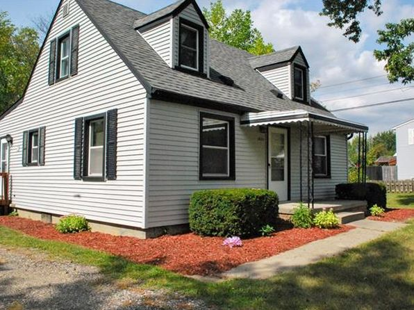 3 bed 2 bath Single Family at 1851 Marlowe St Canton, MI, 48187 is for sale at 135k - 1 of 24