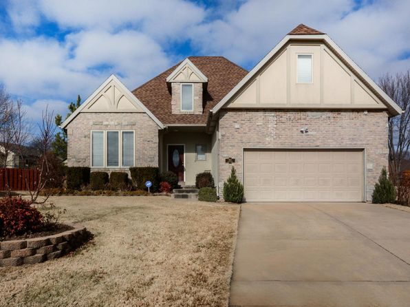 3 bed 3 bath Single Family at 943 S Carriage Ave Springfield, MO, 65809 is for sale at 235k - 1 of 41