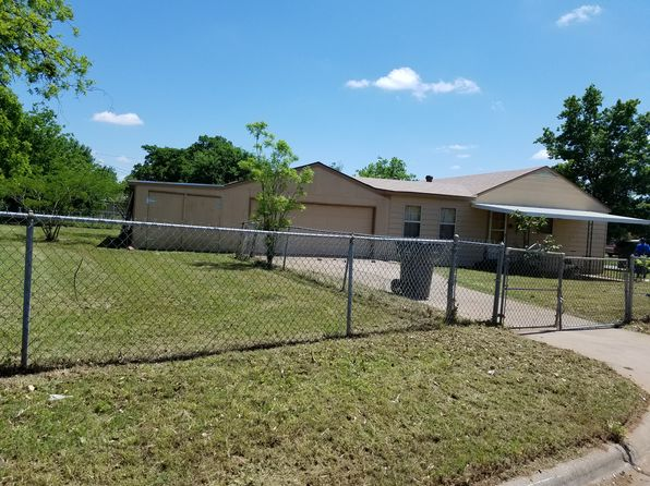 4 bed 2 bath Single Family at 1628 Best Blvd Wichita Falls, TX, 76301 is for sale at 68k - 1 of 38