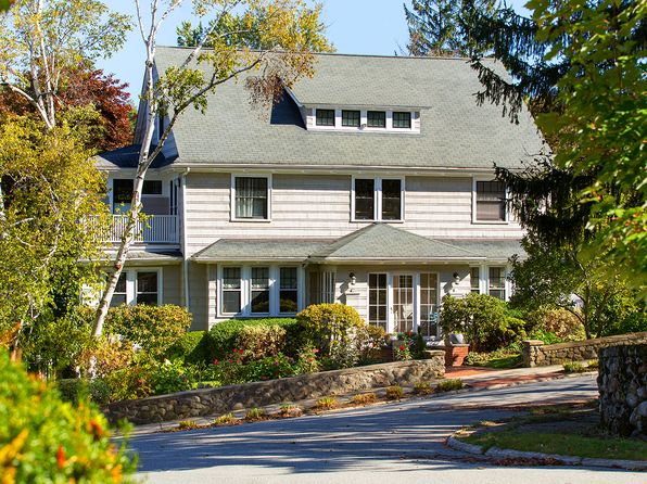 5 bed 5 bath Single Family at 1 Edgehill Rd Winchester, MA, 01890 is for sale at 1.55m - 1 of 37