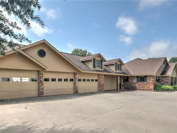 5 bed 4 bath Single Family at 490 County Road 2318 Sulphur Springs, TX, 75482 is for sale at 395k - 1 of 36