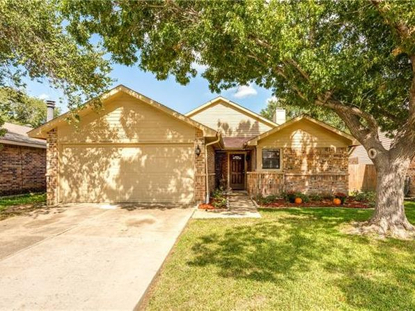3 bed 2 bath Single Family at 4225 Periwinkle Dr Fort Worth, TX, 76137 is for sale at 165k - 1 of 22