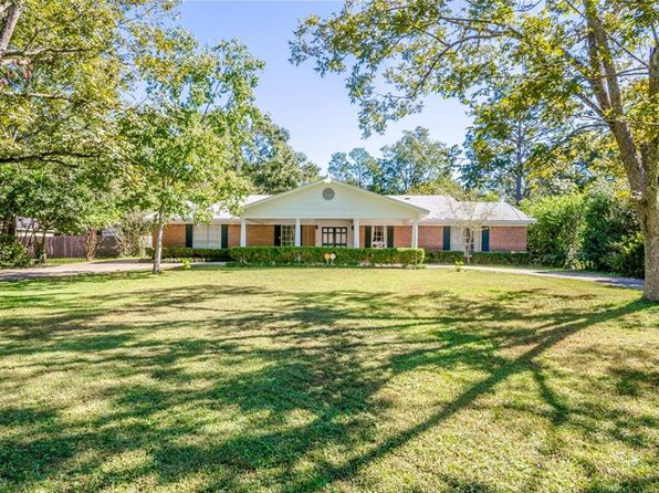 4 bed 4 bath Single Family at 305 Dogwood Dr Mobile, AL, 36609 is for sale at 255k - 1 of 32