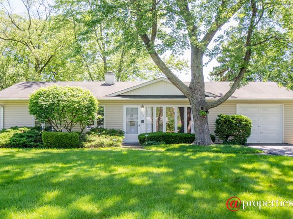 4 bed 2 bath Single Family at 517 Hazelwood Ln Glenview, IL, 60025 is for sale at 300k - 1 of 16