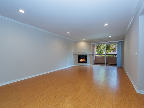 2 bed 2 bath Condo at 5510 Owensmouth Ave Woodland Hills, CA, 91367 is for sale at 410k - 1 of 15