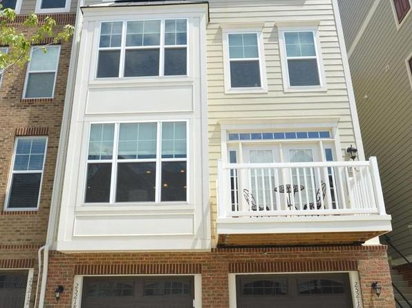 3 bed 3 bath Townhouse at 25216 Briargate Ter Chantilly, VA, 20152 is for sale at 360k - 1 of 13