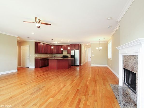 3 bed 2 bath Condo at 471 E Bowen Ave Chicago, IL, 60653 is for sale at 240k - 1 of 9