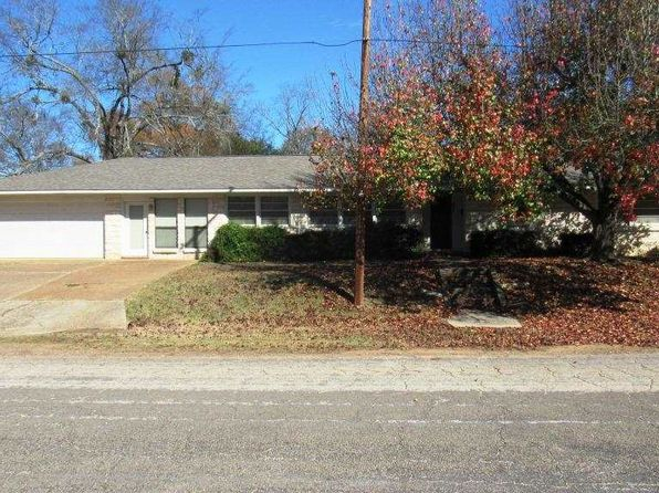 3 bed 2 bath Single Family at 108 N Jackson St Jefferson, TX, 75657 is for sale at 170k - 1 of 20