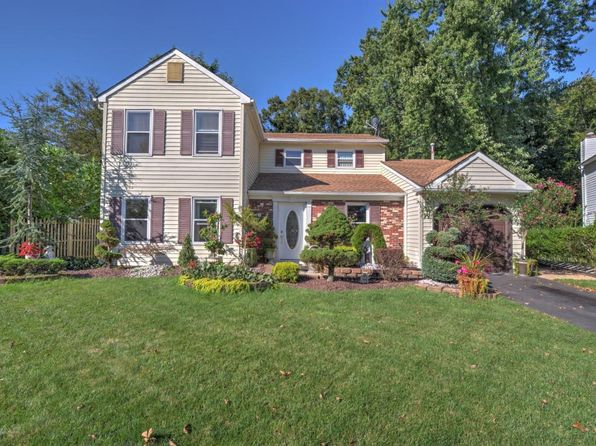 3 bed 3 bath Single Family at 7 Cutter Cv Freehold, NJ, 07728 is for sale at 330k - 1 of 27