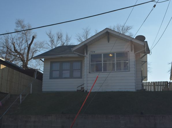 3 bed 1 bath Single Family at 1704 W PALMER AVE SIOUX CITY, IA, 51103 is for sale at 70k - 1 of 14