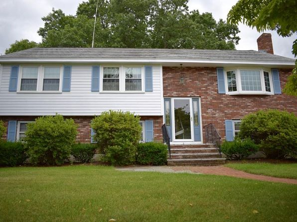 3 bed 2 bath Single Family at 2 Oak Knoll Dr Woburn, MA, 01801 is for sale at 599k - 1 of 19