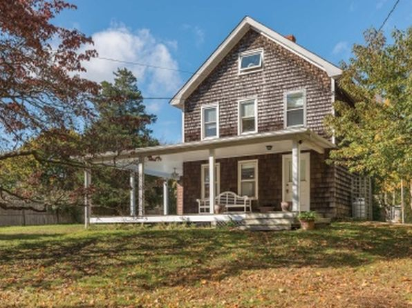 3 bed 3 bath Single Family at 19 Three Mile Harbor Rd East Hampton, NY, 11937 is for sale at 912k - 1 of 13