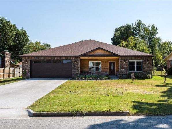 3 bed 3 bath Single Family at 2529 MCRAY AVE SPRINGDALE, AR, 72762 is for sale at 235k - 1 of 26