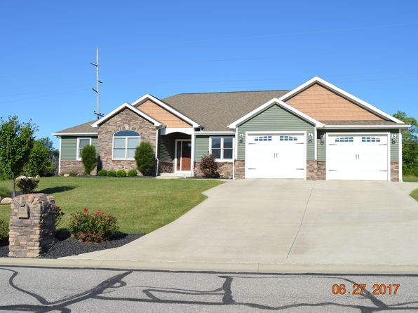 3 bed 3 bath Single Family at 685 Burning Tree Dr Defiance, OH, 43512 is for sale at 290k - 1 of 42