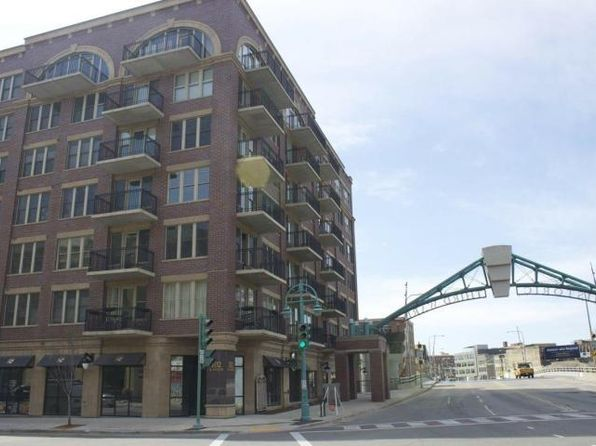 1 bed 1 bath Condo at 102 N Water St Milwaukee, WI, 53202 is for sale at 220k - 1 of 20