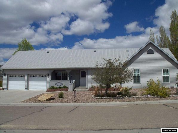 4 bed 2 bath Single Family at 220 Mountain Rd Rock Springs, WY, 82901 is for sale at 289k - 1 of 19