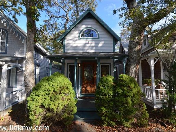 2 bed 1 bath Single Family at 8 Rural Cir Oak Bluffs, MA, 02557 is for sale at 425k - 1 of 13