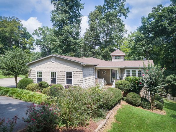 3 bed 4 bath Single Family at 136 Fulton Farms Ln Mooresville, NC, 28117 is for sale at 675k - 1 of 34
