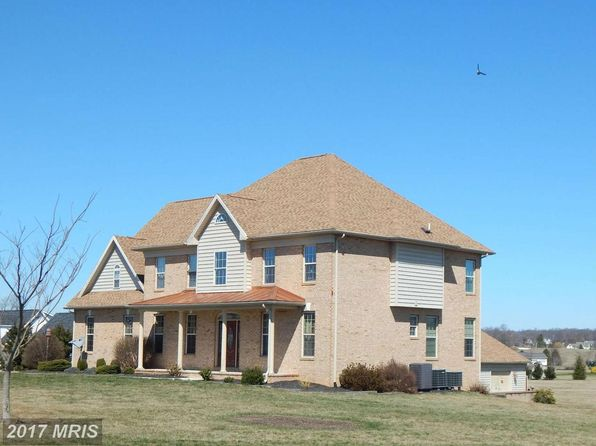 4 bed 4 bath Single Family at 1127 Koontztown Rd Hedgesville, WV, 25427 is for sale at 465k - 1 of 30