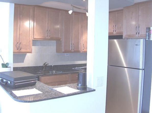 1 bed 1 bath Condo at 1455 N Sandburg Ter Chicago, IL, 60610 is for sale at 199k - 1 of 6