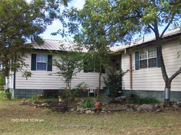 4 bed 2 bath Single Family at 425 Blackfoot Ln Comanche, TX, 76442 is for sale at 200k - 1 of 35
