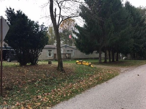 3 bed 2 bath Single Family at 7723 Moores Ridge Rd SE Uhrichsville, OH, 44683 is for sale at 65k - 1 of 9