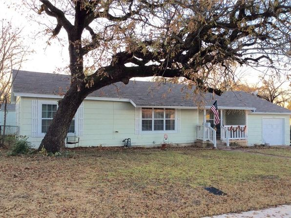 3 bed 2 bath Single Family at 3033 Oakwood St Haltom City, TX, 76117 is for sale at 150k - 1 of 27