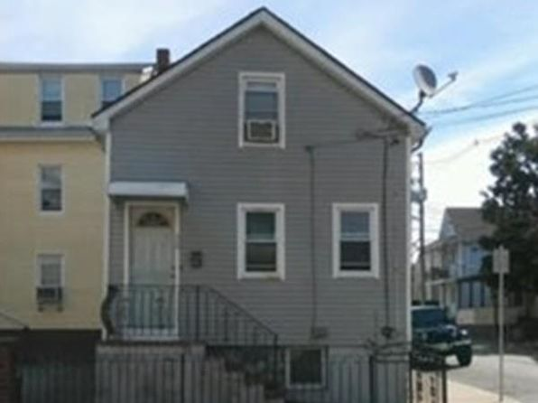 2 bed 1 bath Single Family at 20 ACUSHNET AVE NEW BEDFORD, MA, 02744 is for sale at 99k - 1 of 2