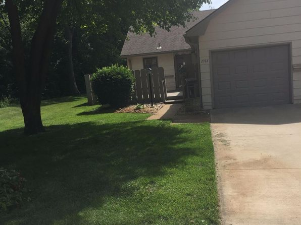 2 bed 1 bath Single Family at 1316 Parkwood Dr Salina, KS, 67401 is for sale at 105k - 1 of 11