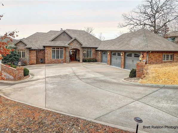 3 bed 5 bath Single Family at 26 DAVIOT LN BELLA VISTA, AR, 72715 is for sale at 875k - 1 of 30