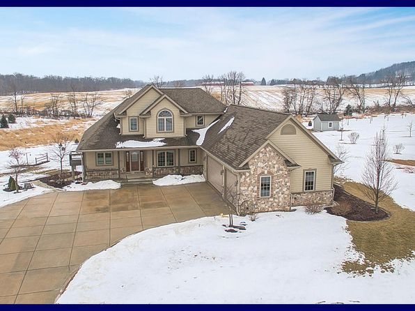4 bed 4 bath Single Family at 5273 Fox Hollow Dr Hartford, WI, 53027 is for sale at 569k - 1 of 25
