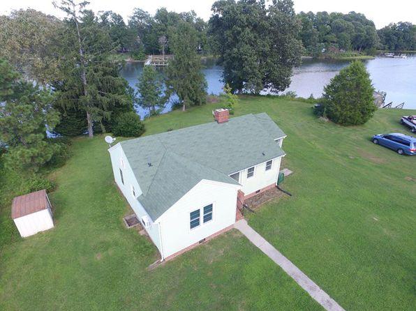 2 bed 1 bath Single Family at 183 Boat House Cv Kilmarnock, VA, 22482 is for sale at 245k - 1 of 21