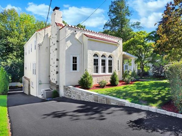 3 bed 3 bath Single Family at 56 Parkview Dr Bronxville, NY, 10708 is for sale at 849k - 1 of 27