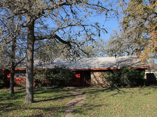 3 bed 2 bath Single Family at 107 Carmen Ct La Grange, TX, 78945 is for sale at 200k - 1 of 13