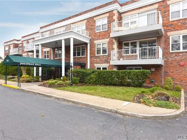 2 bed 2 bath Condo at 1534 Broadway Hewlett, NY, 11557 is for sale at 569k - 1 of 14