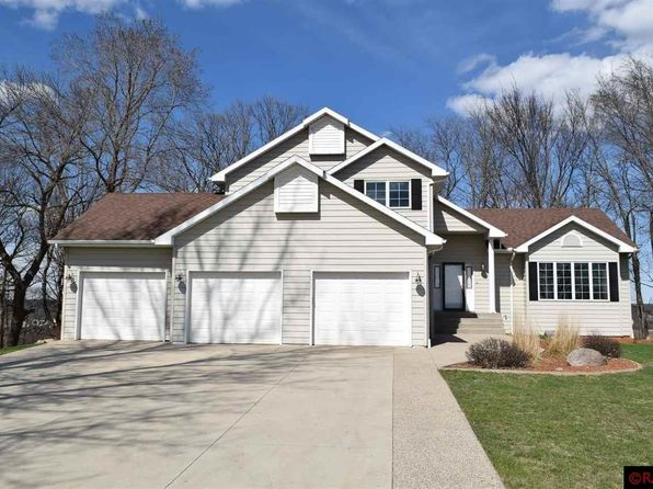 4 bed 4 bath Single Family at 1528 Maplewood Dr Mankato, MN, 56001 is for sale at 380k - 1 of 25