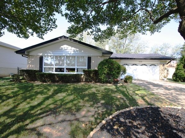 3 bed 3 bath Single Family at 535 Summit Dr Schaumburg, IL, 60193 is for sale at 310k - 1 of 28