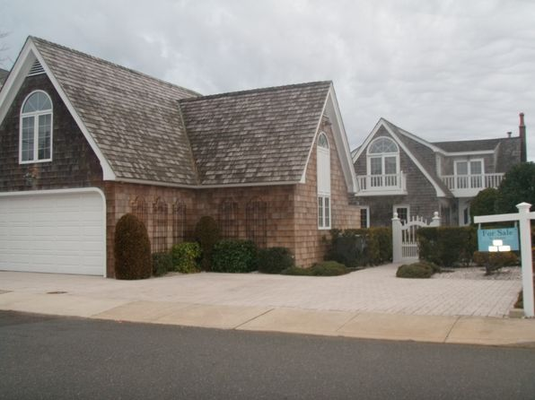 4 bed 4 bath Single Family at 952 Lagoon Ln S Mantoloking, NJ, 08738 is for sale at 3.85m - 1 of 39