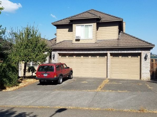 3 bed 4 bath Single Family at 14334 SE Summit Dr Clackamas, OR, 97015 is for sale at 400k - google static map