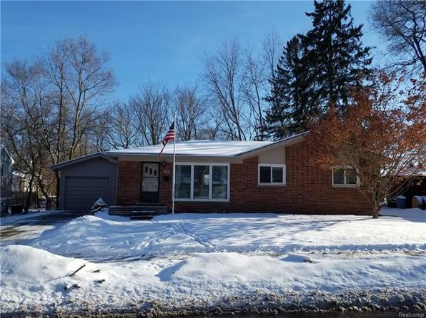 3 bed 1.5 bath Single Family at 1300 Catalpa Dr Rochester, MI, 48307 is for sale at 240k - 1 of 29
