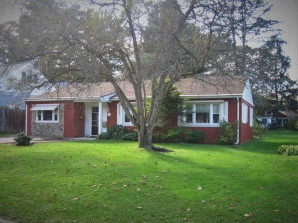 3 bed 1 bath Single Family at 220 Reese Ave Vestal, NY, 13850 is for sale at 95k - 1 of 8
