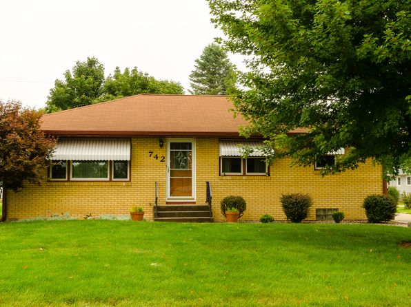 3 bed 2 bath Single Family at 742 Green Park Ave Colona, IL, 61241 is for sale at 115k - 1 of 27