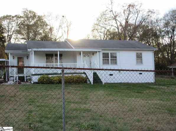 2 bed 1 bath Single Family at 12 Mcallister St Travelers Rest, SC, 29690 is for sale at 119k - 1 of 16
