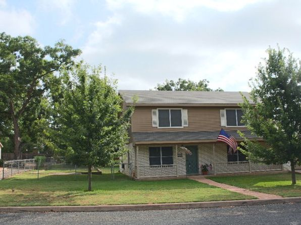 3 bed 2 bath Single Family at 324 W Nimitz St Fredericksburg, TX, 78624 is for sale at 380k - 1 of 20