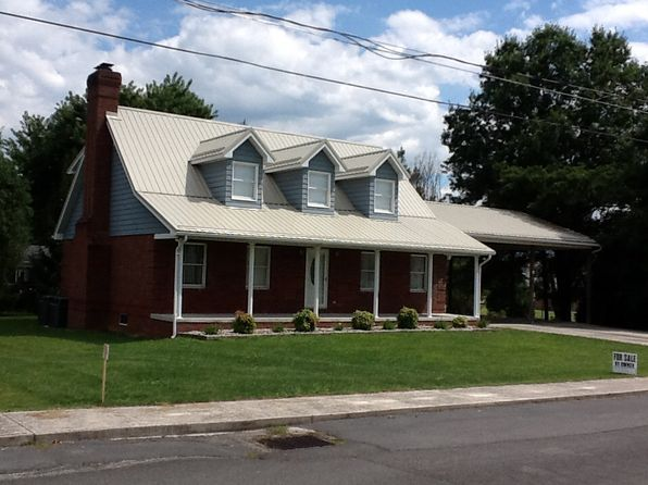 3 bed 3 bath Single Family at 111 Shobe St Petersburg, WV, 26847 is for sale at 190k - 1 of 11